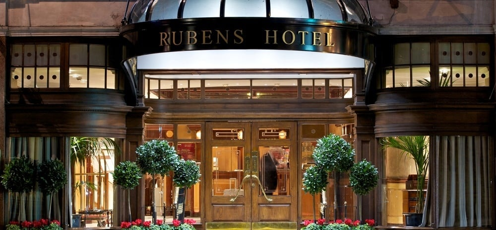 Luxurious Afternoon Tea For 2 at Rubens Hotel, London-5