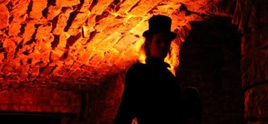 Edinburgh Cemetery and Underground Walking Tour for Two-4