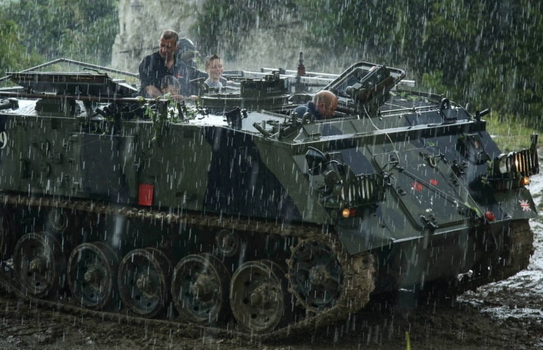 Tank-Driving-Experience-in-Shropshire-01.jpg