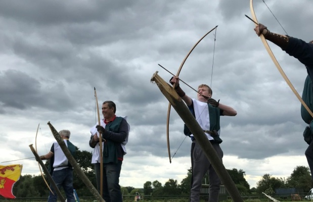 The Ultimate Medieval Archer Experience in Essex Aiming.jpg