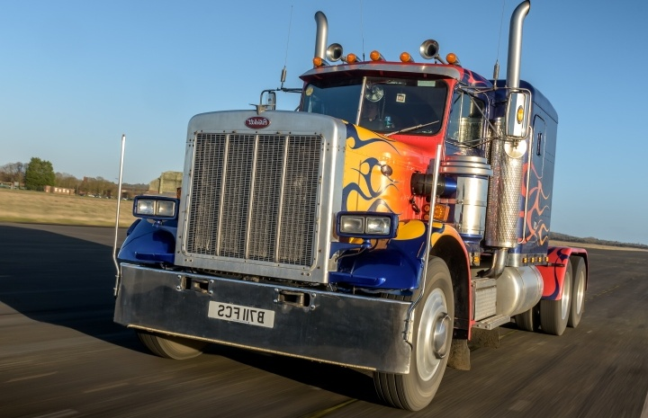 Transformers-Optimus-Truck-Driving-Experience-Day.jpg