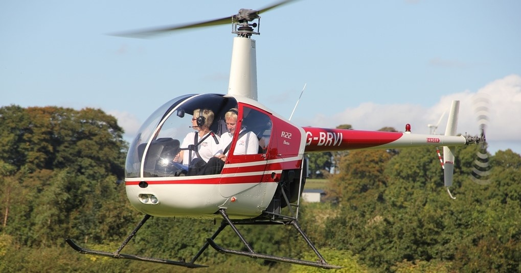 One Hour R22 Helicopter Trial Lesson In Leeds