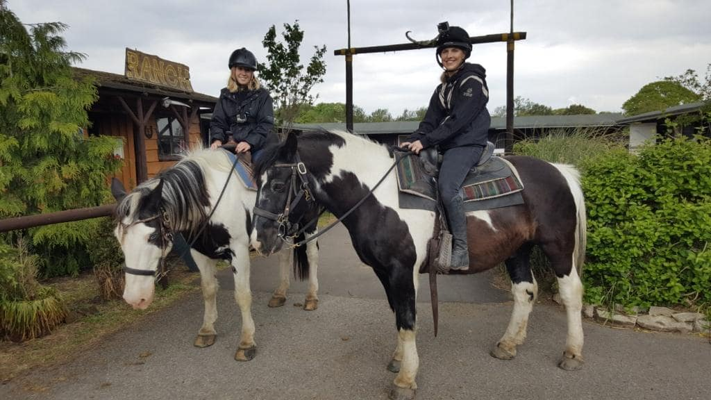 2-hour-western-horse-riding-in-hampshire