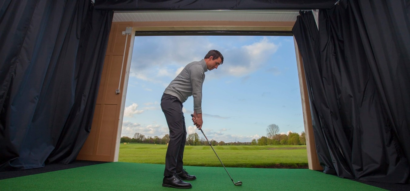 1 Hour Golf Simulator Experience In Cheshire