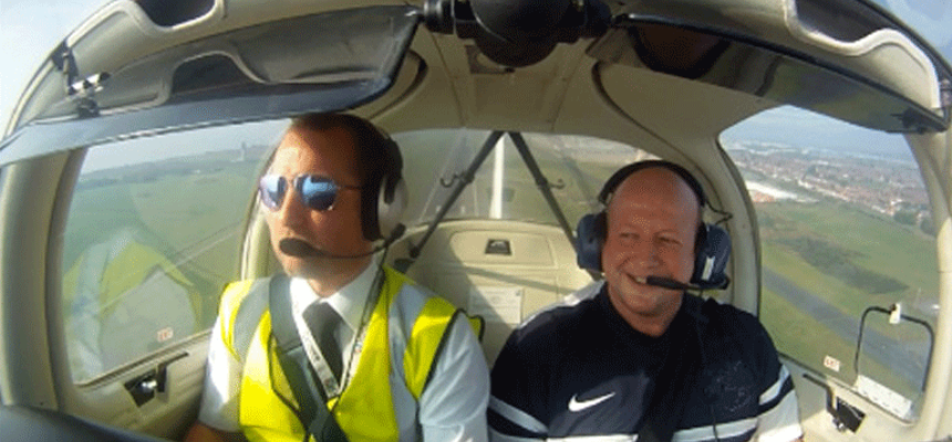 One Hour Four Seater Flying Lesson in Liverpool-3