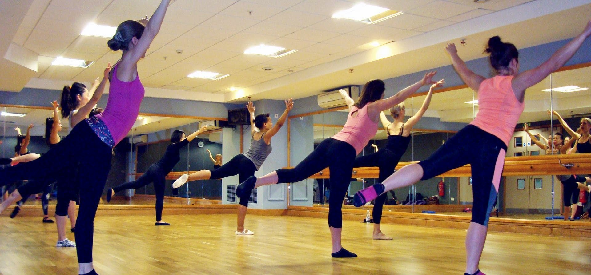 One Hour Group Ballet Class in London-3