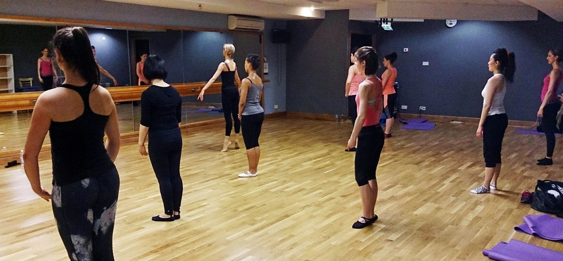 One Hour Group Ballet Class in London-2