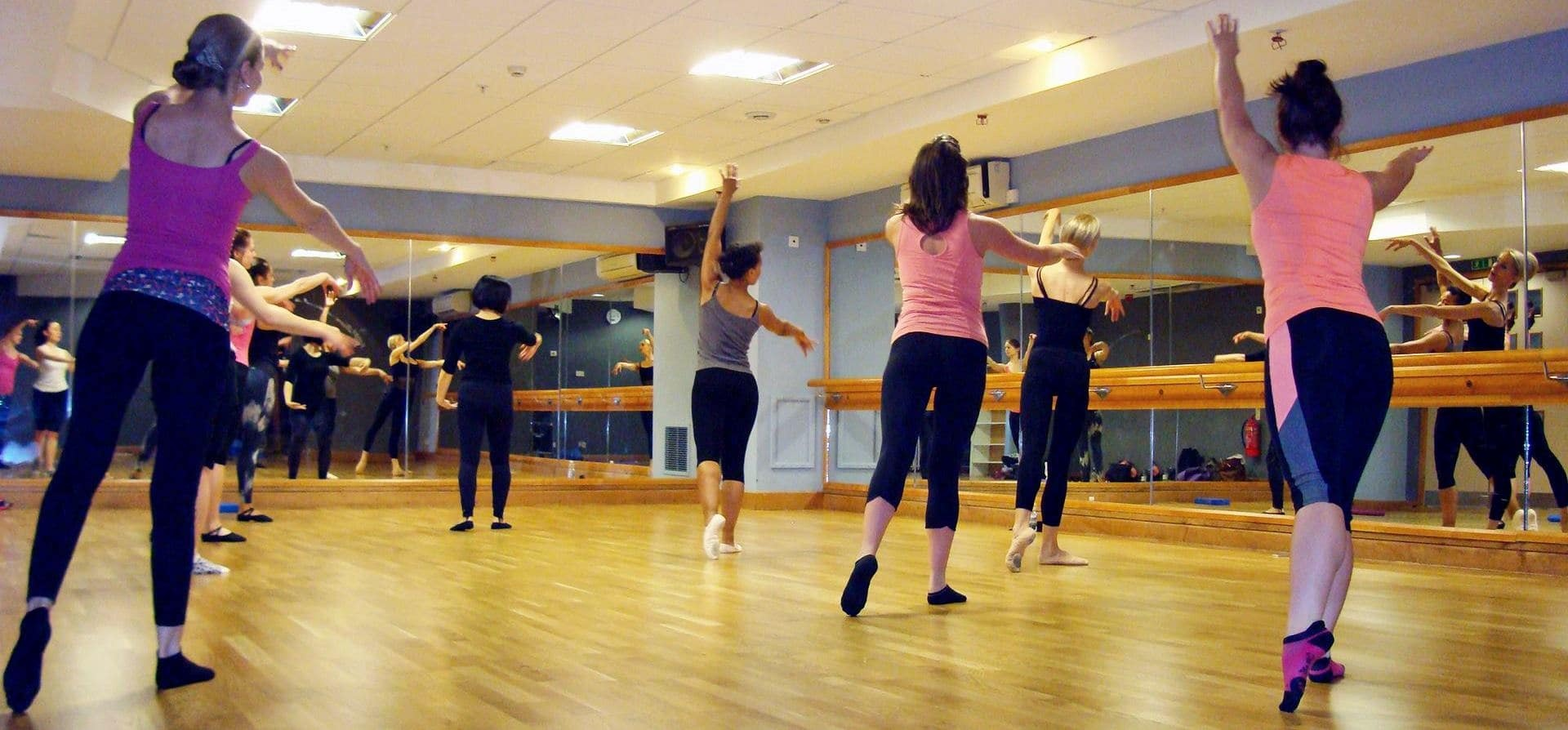 One Hour Group Ballet Class in London-1
