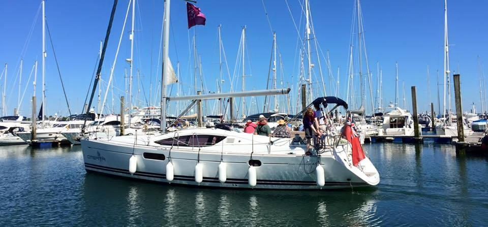 Solent Yacht Sailing Experience With Lunch