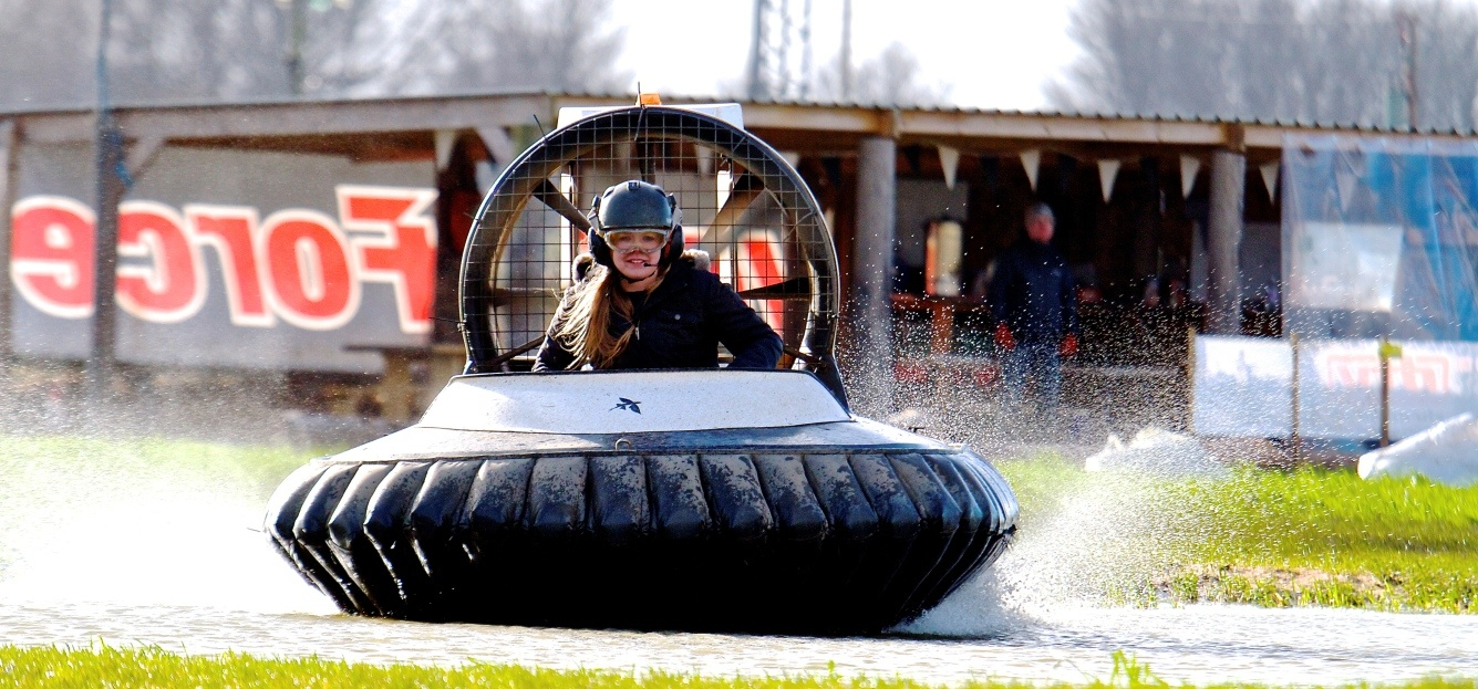 Hovercraft Taster Session Cheshire-3