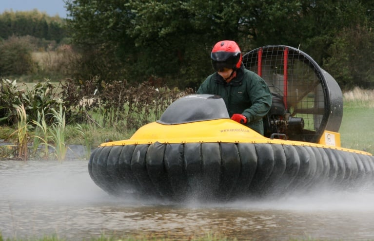 hovercraft-exprience-in-leicestershire.JPG