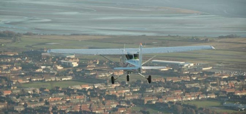 One Hour Four Seater Flying Lesson in Liverpool-2