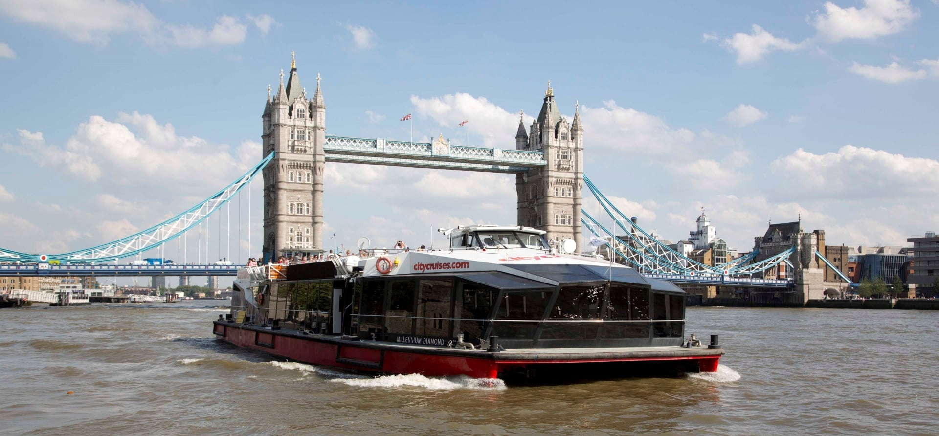 Thames River Circular Sightseeing Tour for 2-1