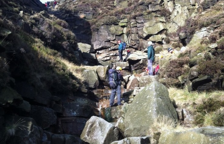 mountain-scrambling-experience-in-derbyshire.jpg