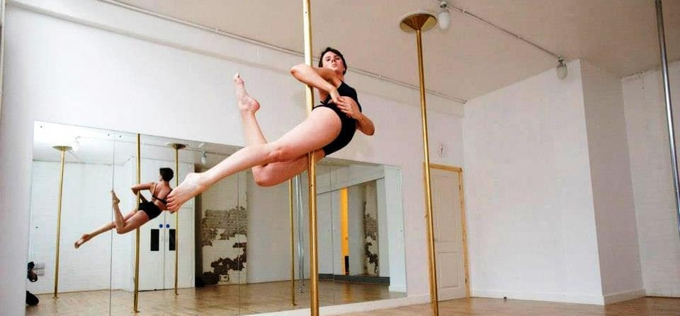 London Discover Pole Dancing Lesson-1