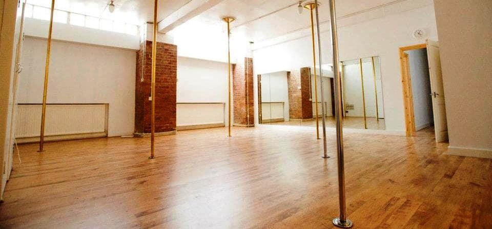 London Discover Pole Dancing Lesson-2