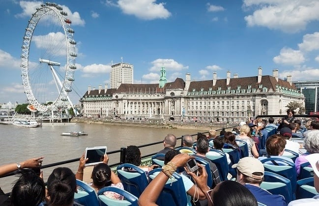 sightseeing-tour-around-london-by-bus.jpg