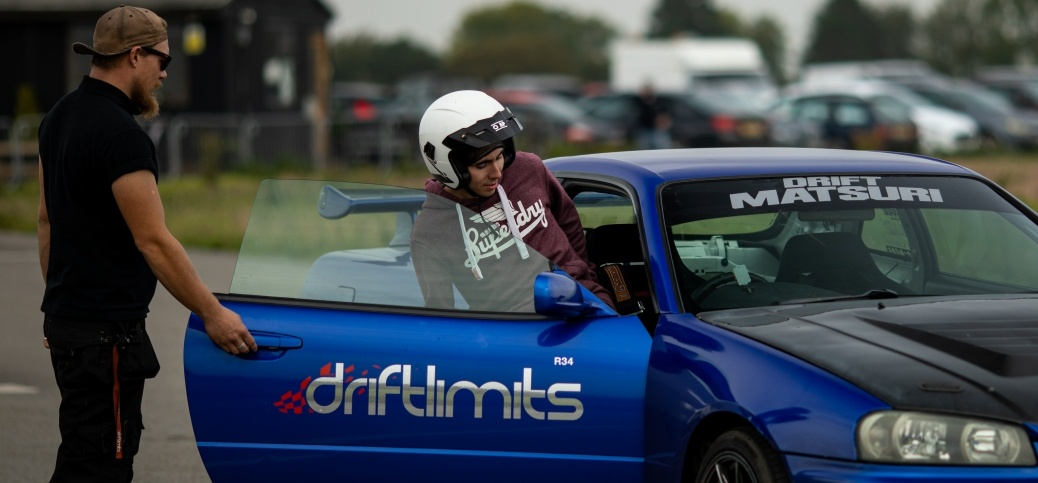 One Supercar Driving Thrill in Hemel Hempstead-4