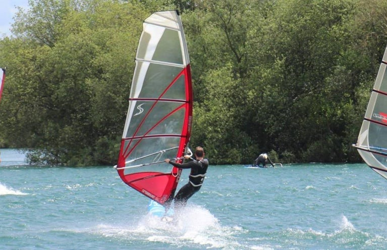 windsurfing-lessons-in-berkshire.jpg