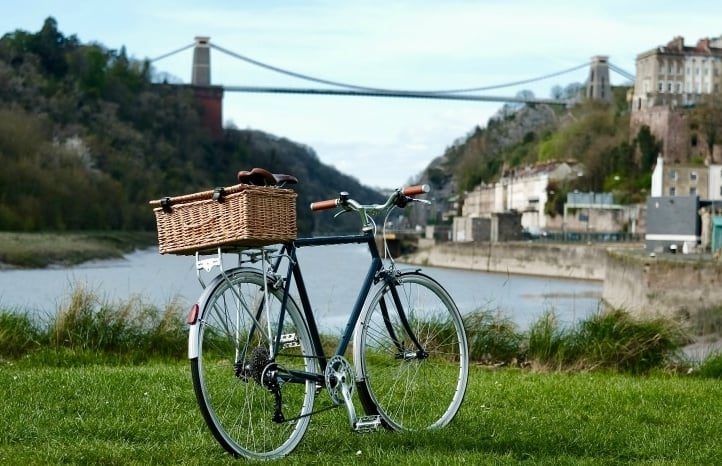 wine-tour-in-bristol-on-a-bike.jpg